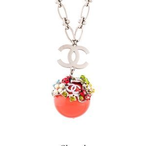 Chanel Necklace.